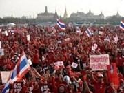 """Thaïlande : les """"chemises rouges"""" contre les juges de la Cour constitutionnelle"""