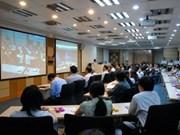 Ouverture du sommet sur les TIC à Hanoi