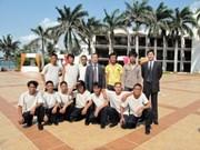 Les douze marins pris en otage de retour au Vietnam