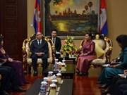 Le vice-PM Nguyen Xuan Phuc visite le Cambodge