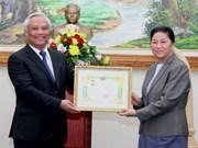 Uông Chu Luu reçu par la présidente de l'AN du Laos