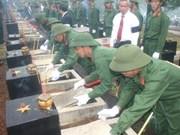 Réunion sur la recherche des restes des volontaires vietnamiens