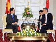Nguyen Tan Dung a rencontré les dirigeants de Singapour et des Philippines