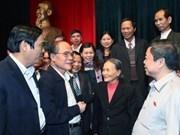 Des dirigeants rencontrent des électeurs