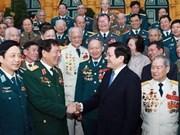 Le président rend hommage aux vétérans de la DCA
