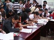 À l'Université Duy Tân, le président du Vietnam montre la voie