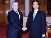 Le PM Nguyen Tan Dung reçoit le ministre italien de la Défense