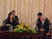 La présidente de l'Argentine en visite à Hô Chi Minh-Ville