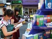 Des livres descendent dans des rues d'Ho Chi Minh-Ville
