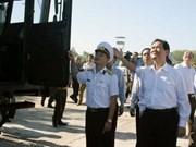 Le PM rend visite à une unité militaire à Binh Thuân