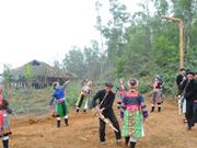 La fête printanière commence au Village des ethnies vietnamiennes