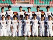 Des footballeurs vietnamiens à la Coupe Sanix 2013