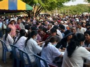 Humanitaire : des médecins vietnamiens au Cambodge