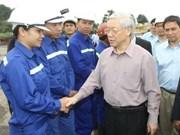 Nguyên Phu Trong travaille avec le Vinacomin