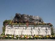 Binh Duong abrite le plus grand bouddha en saphir
