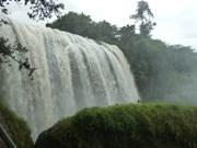 Au Tây Nguyên, se ressourcer à la cascade Voi