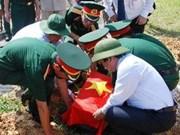 Quang Binh: inhumation des restes de soldats tombés au Laos