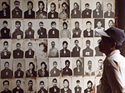 Cambodge : hommage aux victimes des Khmers rouges