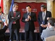 Des entreprises militaires évaluent le marché français