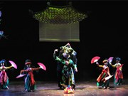 Un spectacle de marionnettes lève le rideau des rizières