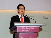 Le Premier ministre Nguyên Tân Dung part pour Singapour