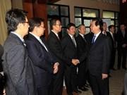 Le PM vietnamien rencontre des géants économiques singapouriens