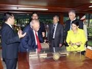 La délégation de députés salvadoriens quitte le Vietnam