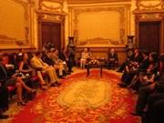 HCM-Ville accueille la secrétaire américaine à la Santé