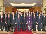 Le Secrétaire général du Parti reçoit de nouveaux diplomates vietnamiens