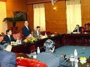 Le président de l'AN reçoit de nouveaux diplomates vietnamiens