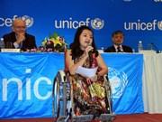 Phuong Anh, jeune handicapée exemplaire du monde