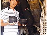 Un enseignant Kinh devenu expert de la culture Tà Ôi