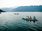 À Thung Nai, dans les montagnes immergées