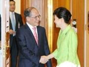 Nguyen Sinh Hung rencontre la présidente sud-coréenne