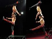 """Cirque : aux États-Unis, """"La force des mains"""" fait tourner les têtes"""
