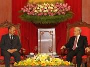 Des dirigeants vietnamiens reçoivent le Gouverneur Général de Nouvelle-Zélande