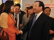 Rencontres des entrepreneurs vietnamiens à l'étranger avec ceux du pays