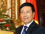Le ministre vietnamien des AE en visite en Angola