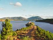 Biên Hô, le lac où se mire la ville ensoleillée de Pleiku