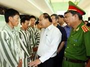 Amnistie: le vice-PM Nguyen Xuan Phuc se rend à Ninh Binh