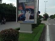 La ville de Hanoi serre la vis aux publicités extérieures