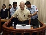 La perpétuité requise contre deux dirigeants khmers rouges