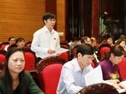 Les députés discutent du budget public