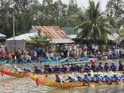 Soc Trang: ouverture du premier festival de courses de pirogue Ghe Ngo