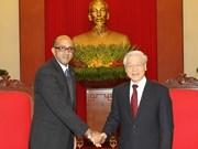 Nguyen Phu Trong reçoit le nouvel ambassadeur cubain