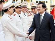 Le président du Vietnam formule ses voeux à la police et à la Croix Rouge