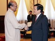 Truong Tan Sang reçoit l'envoyé spécial du président sri lankais