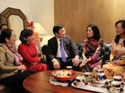Têt : le président rend visite à des religieux et des artistes