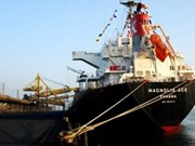 Quang Ninh: exportation des premières tonnes de charbon du Nouvel An lunaire