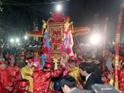 La procession de l'eau et l'offrande du poisson sont reconstituées à Nam Dinh